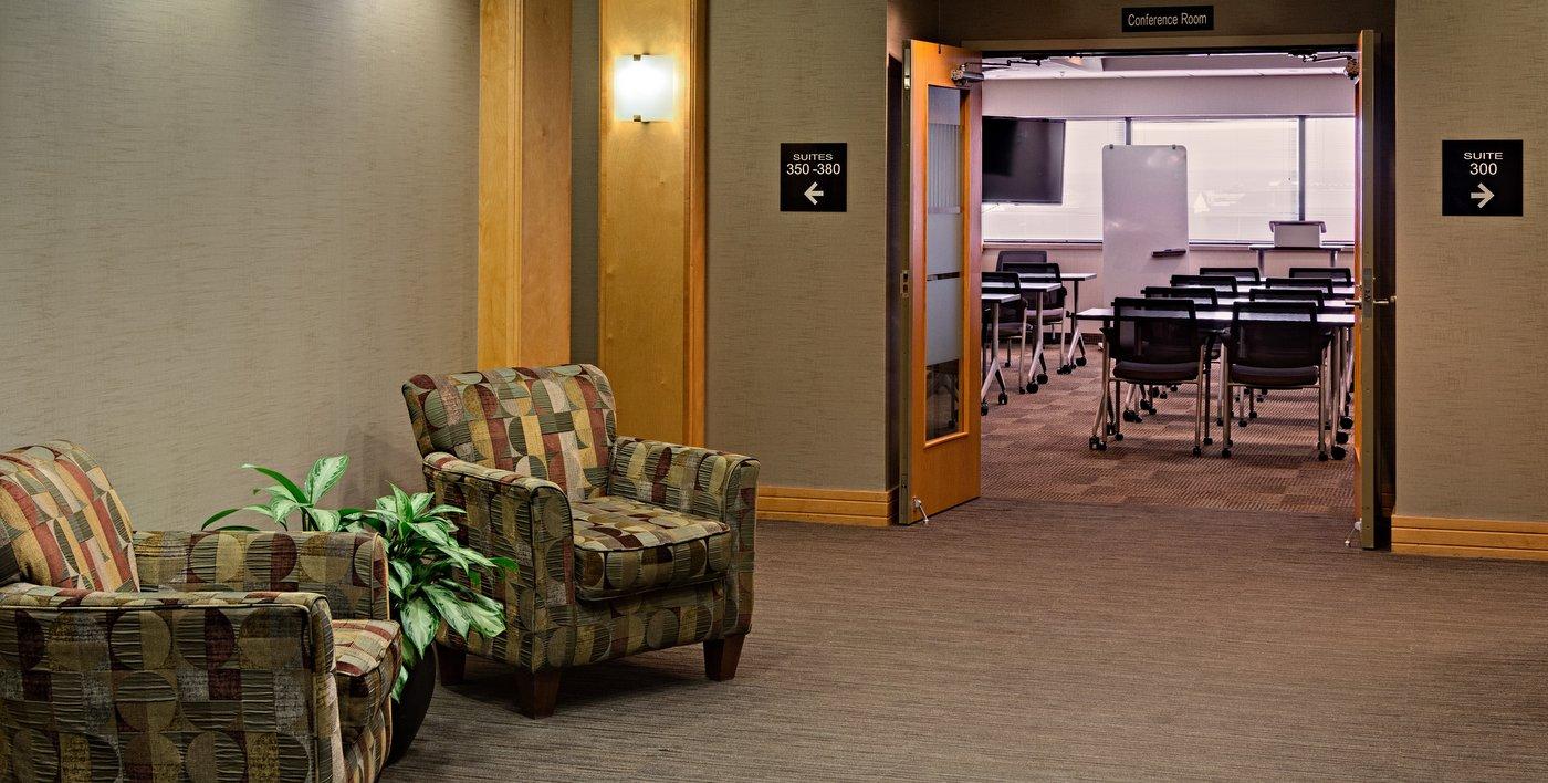 06-Confer-room-elev-lobby